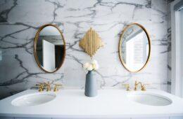 cómo seleccionar el espejo perfecto para tu baño