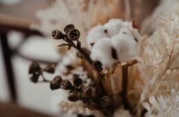 cómo decorar con flores secas en casa